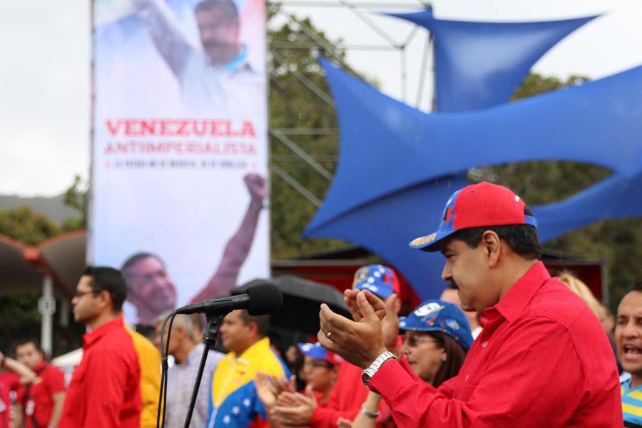 Maduro anunció un incremento salarial de 50% para los médicos