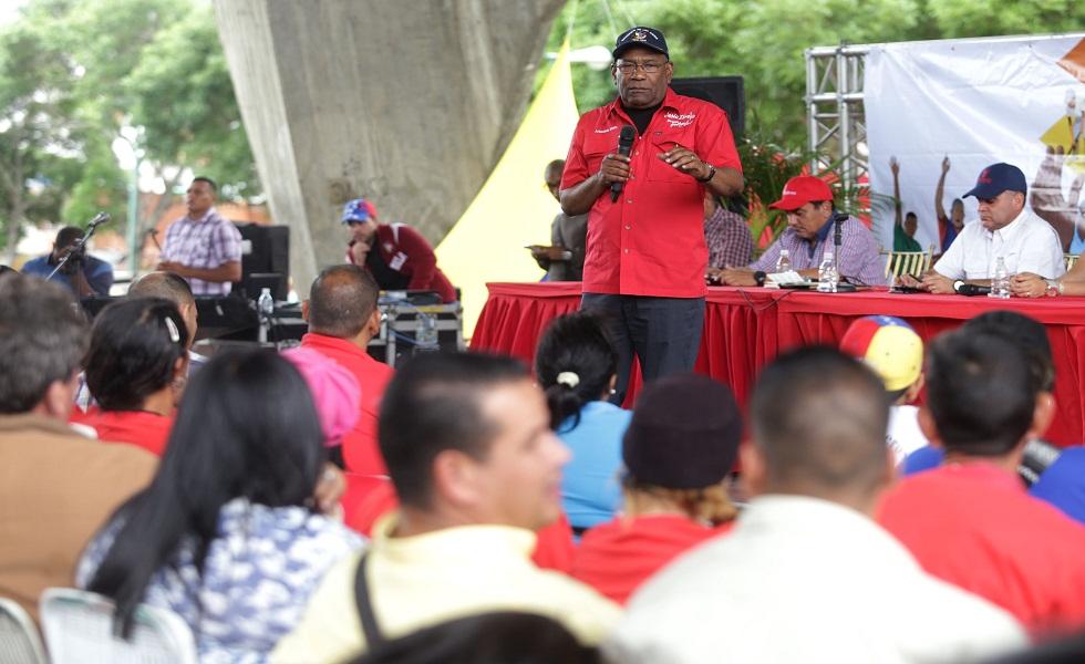 La oposición busca con la Fiscal desmontar al Estado