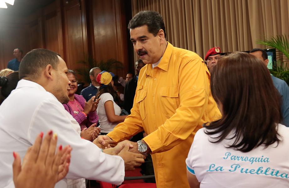 Presidente Maduro lanza Plan Nacional de Parto Humanizado desde Miraflores