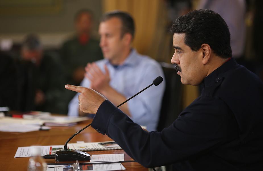 Venezuela presenta precio su cesta petrolera en yuanes