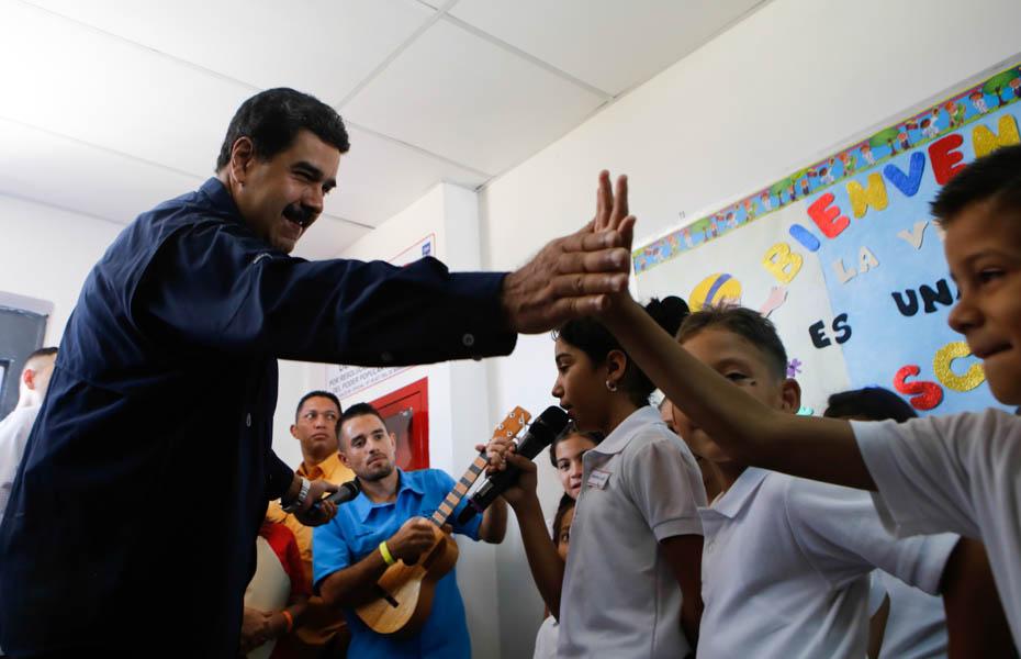 Maduro: 76% de la educación en Venezuela es gratuita y de calidad