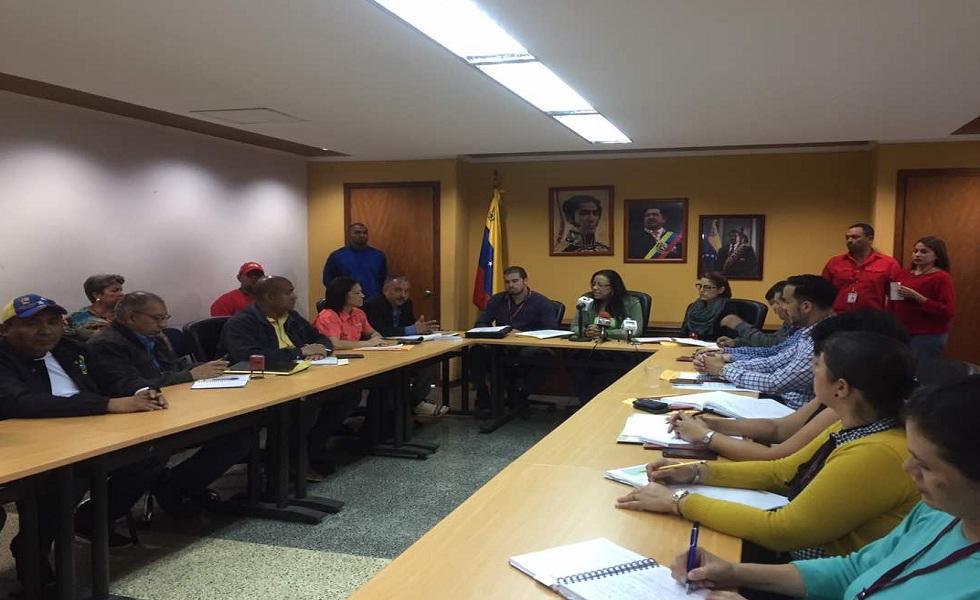 Sector salud se reunió este viernes en una mesa de negociación