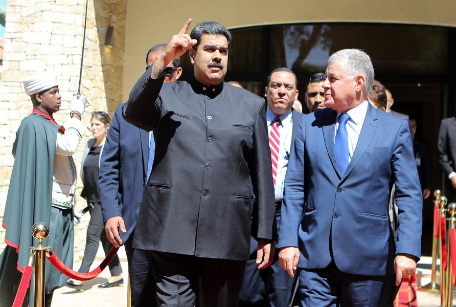 Maduro visita Argel: incertidumbre sobre un encuentro con Buteflika
