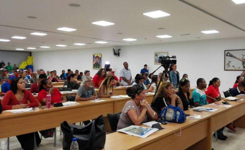 PSUV arrancó el Plan de Formación Cultural y Comunicacional Antiimperialista Calles, Medios Redes y Paredes junto a las brigadas de APC de Vargas Caracas y Miranda