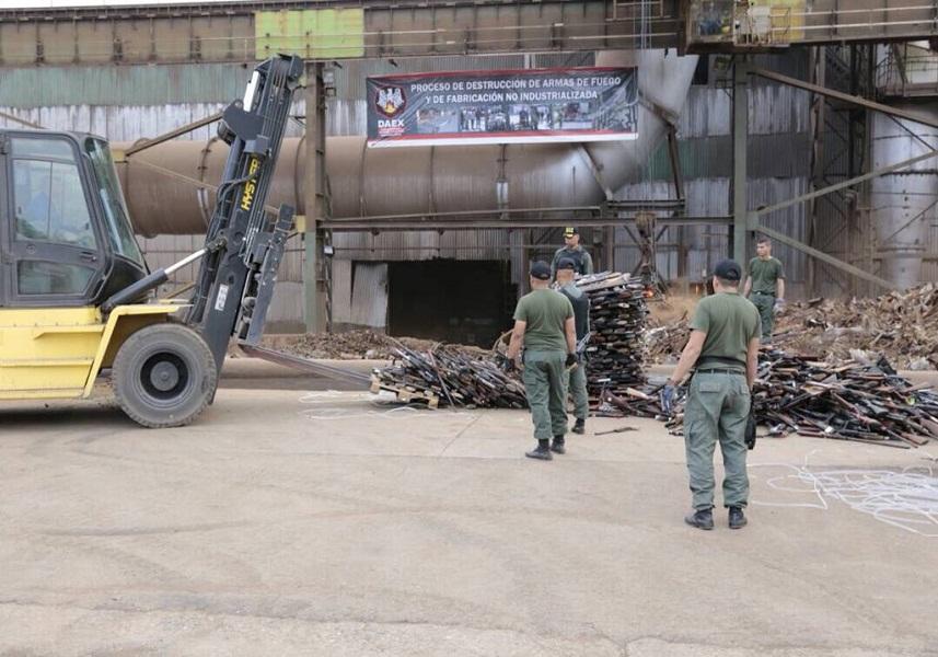 Destruyeron más de 19 mil armas de fuego en Venezuela