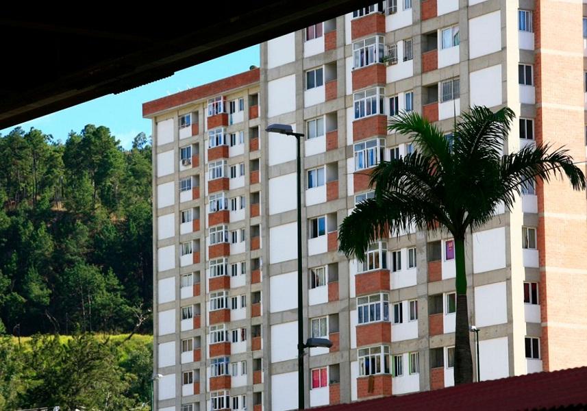 Entregadas más de 6 mil 400 viviendas en 14 entidades del país