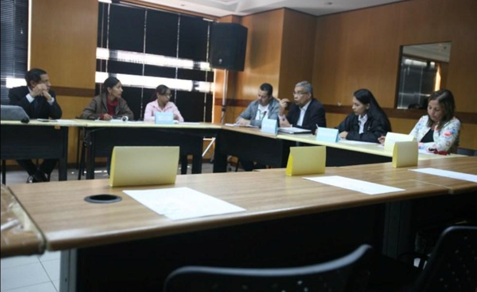 Las discusiones forman parte de un plan piloto que se realiza en la Gran Caracas. En ellas también participan medios comunitarios e instituciones del país Usuarios