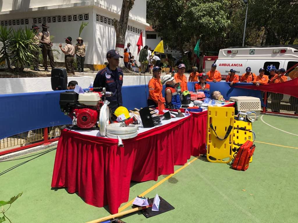 Bomberos forestales reciben equipamiento para prevenir y mitigar incendios